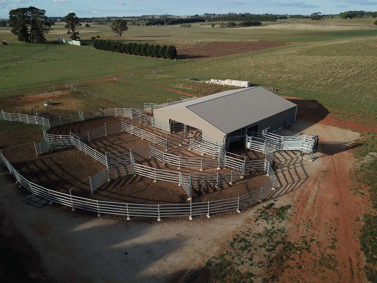 Bird's eye view of yard cover - Crookwell