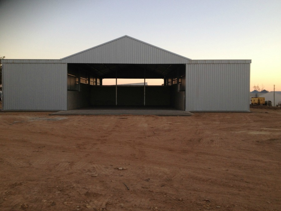Open grain shed in Grenfell