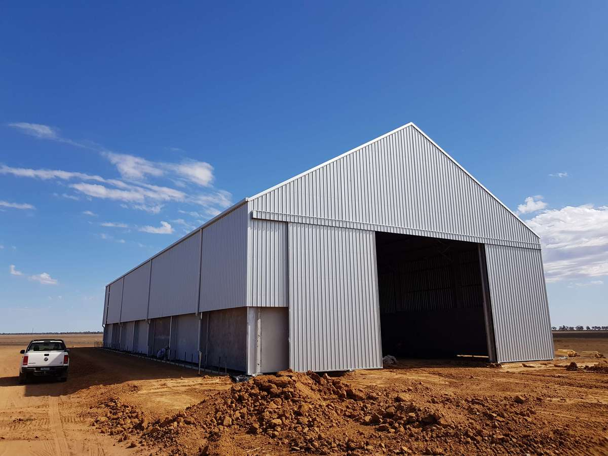 Slanted view of grain shed in Merah North