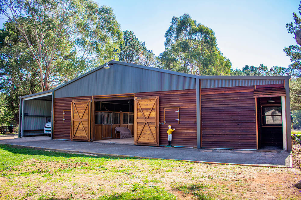 Horse stable Bundanoon Slanted View